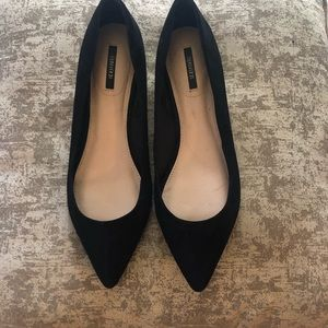 Size 9 black pointed flats